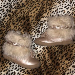 Cat and jack fur boots size 6 gold glitter